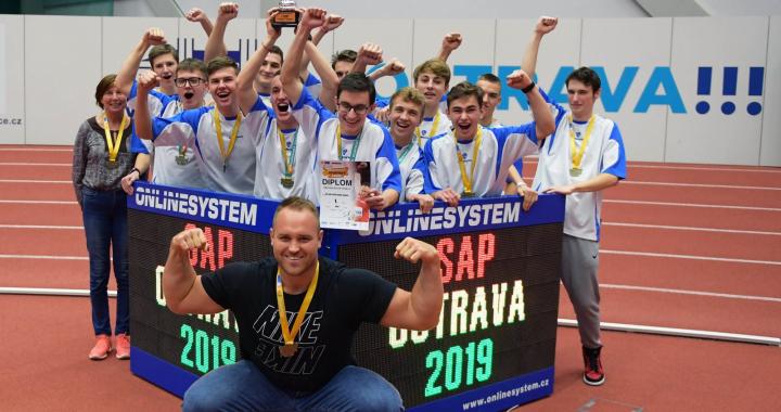Ze Středoškolského atletického poháru se radují v Hradci Králové a v Praze
